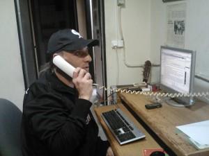Ibón Casas pegado al ordenador y al teléfono muchas horas al día