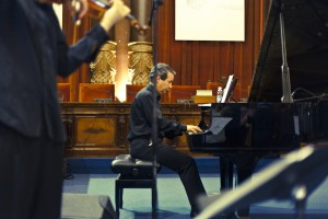 Javier González Sarmiento al piano (Foto: Paula Arbide)