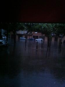La lluvia interrumpió el concierto