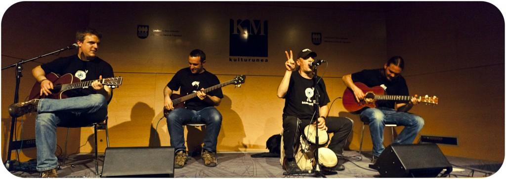 Ibón Casas y La Fonda (Foto: Paula Arbide)