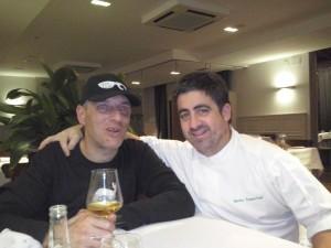 Con Gorka Txapartegi en su restaurante. Foto: Ana Muñoz