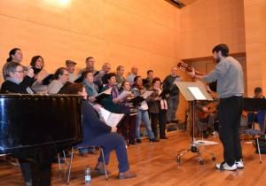 """El Coro """"Fuente de Barros"""" durante un ensayo"""